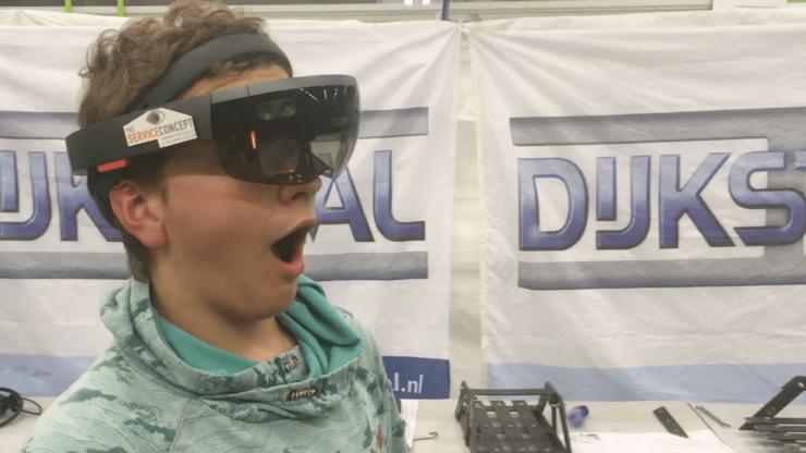 De virtuele brug is een virtuele wereld waarmee we een brug slaan tussen onderwijs en bedrijfsleven.