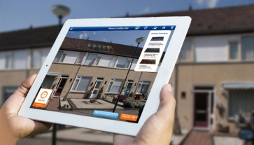Zonnepanelen-inmeten-via-tablet